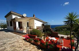 Sicily holiday home Villa Flora