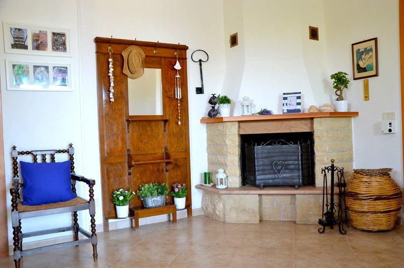 Villa Maria: Holiday Home In Donnalucata/scicli - Sicilia-ferien.de Kamin Villa Design